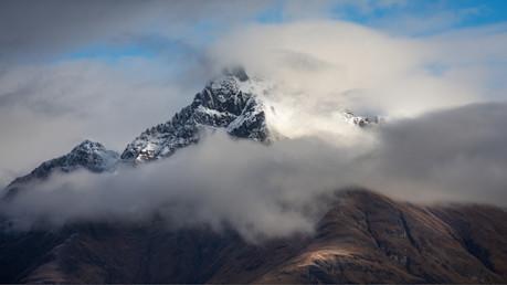 mountain-in-the-cloud-n