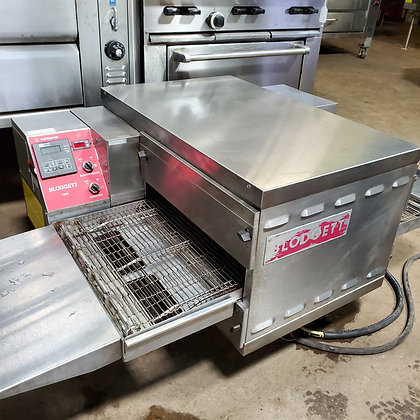 "Blodgett 18"" Conveyor Pizza Oven"