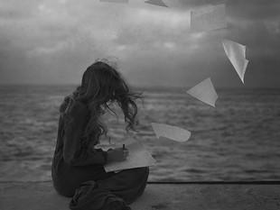 Că suntem toţi, şi fiecare din noi, o poezie.