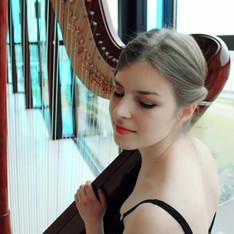 Harpist Miriam Ruf