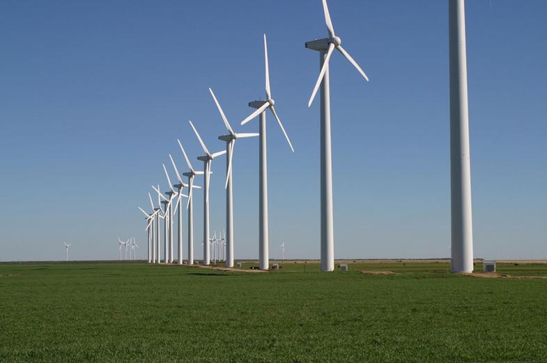 Foto: Leaflet (Wikimedia) - Fazenda de energia eólica (Texas, EUA) / Ref. [F13.B]