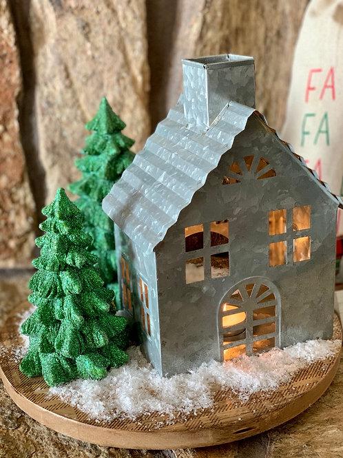 Snowy House Decor Kit