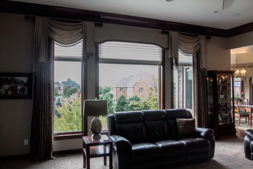 traditional-great-room-drapery.jpg