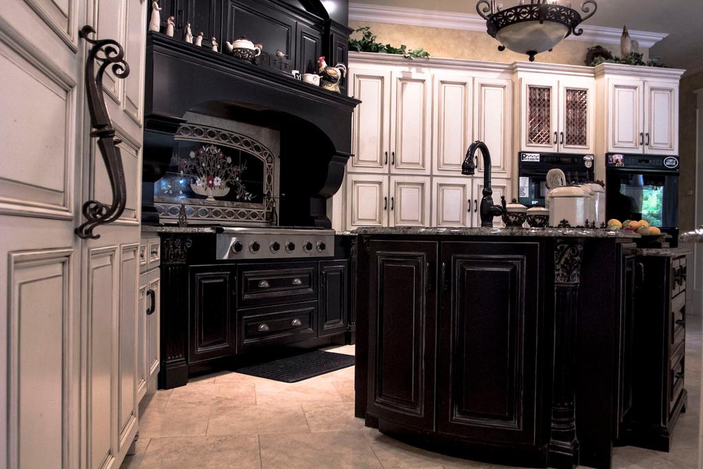 traditional-french-custom-kitchen.jpg