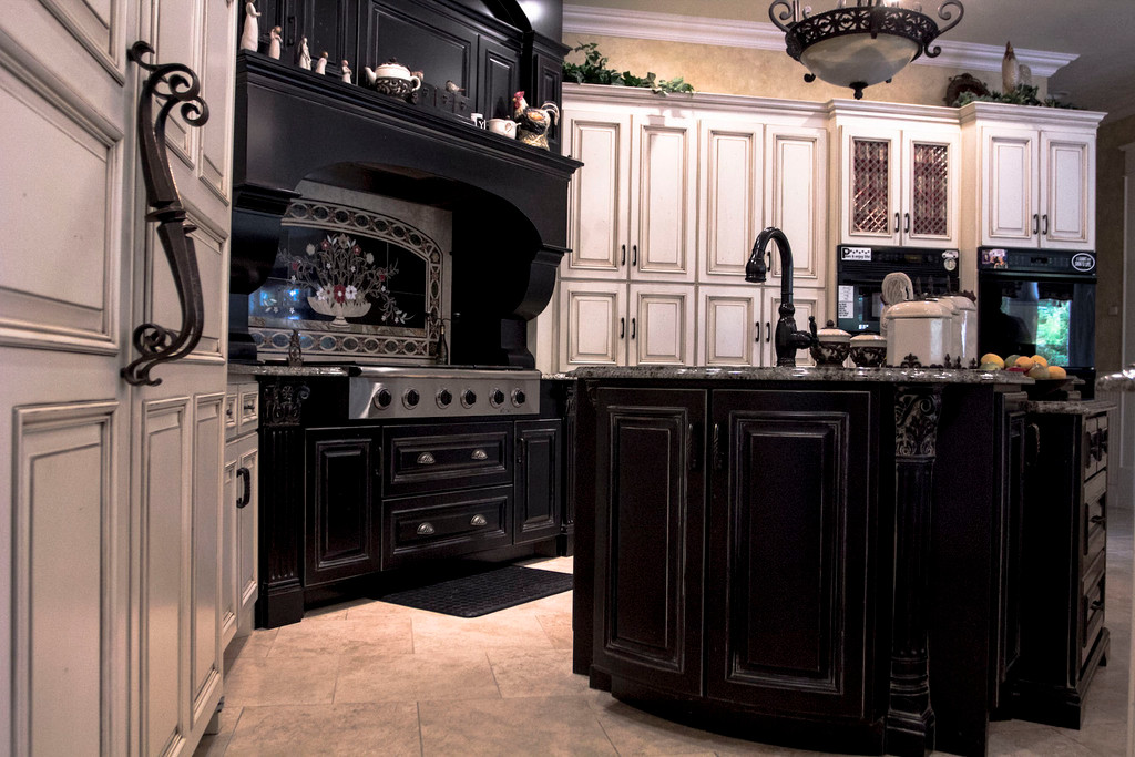 traditional-french-custom-kitchen.jpg