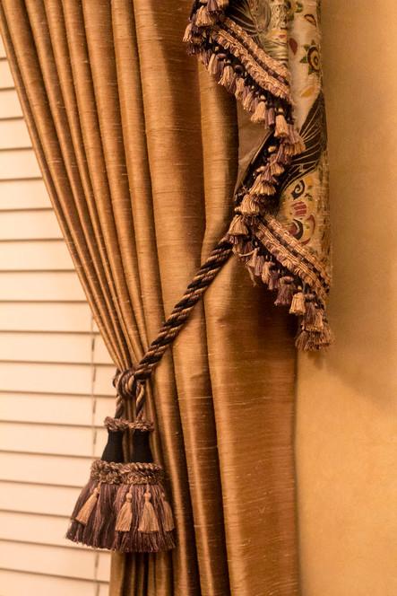 silk-panel-tassel-tie-back.jpg