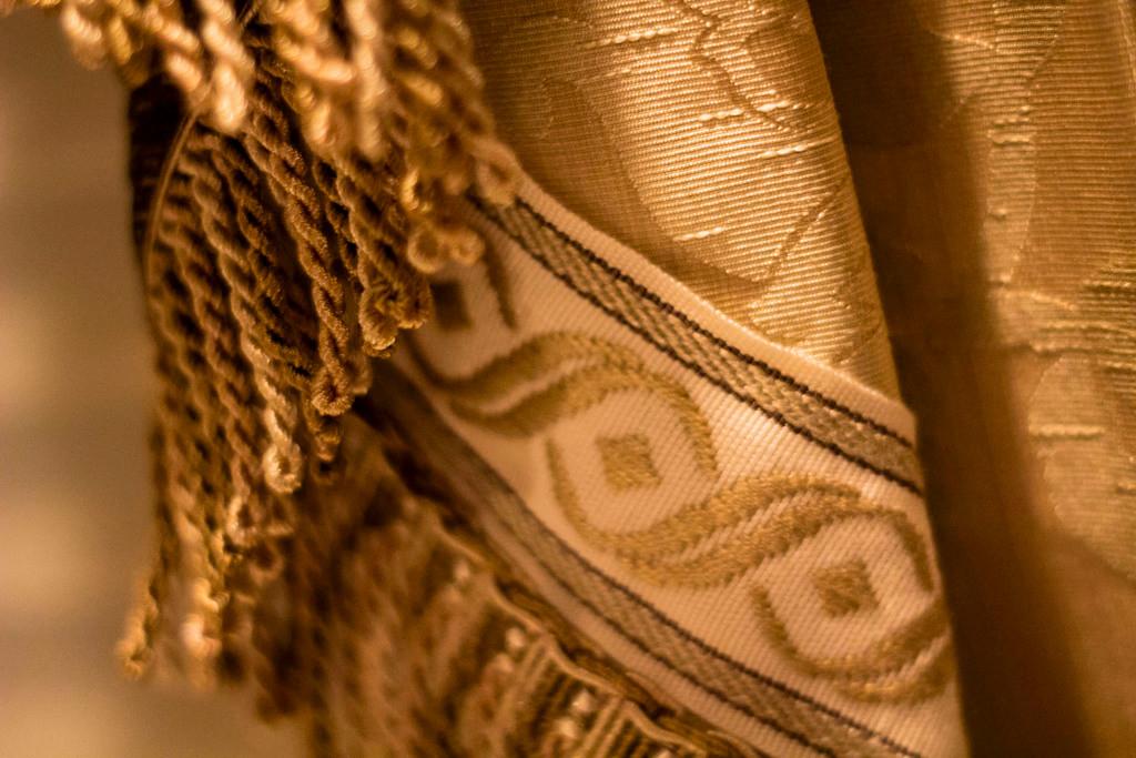 gold-silk-window-treatment.jpg