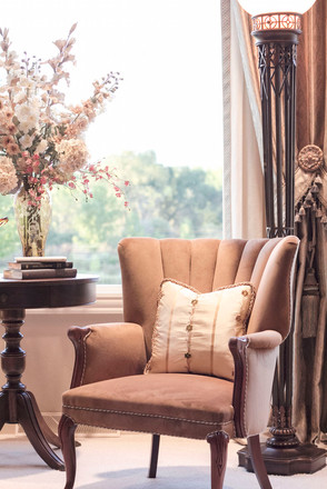 traditional-living-room-detail.jpg