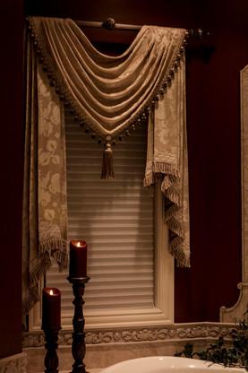 traditional-master-bathroom-drapery.jpg
