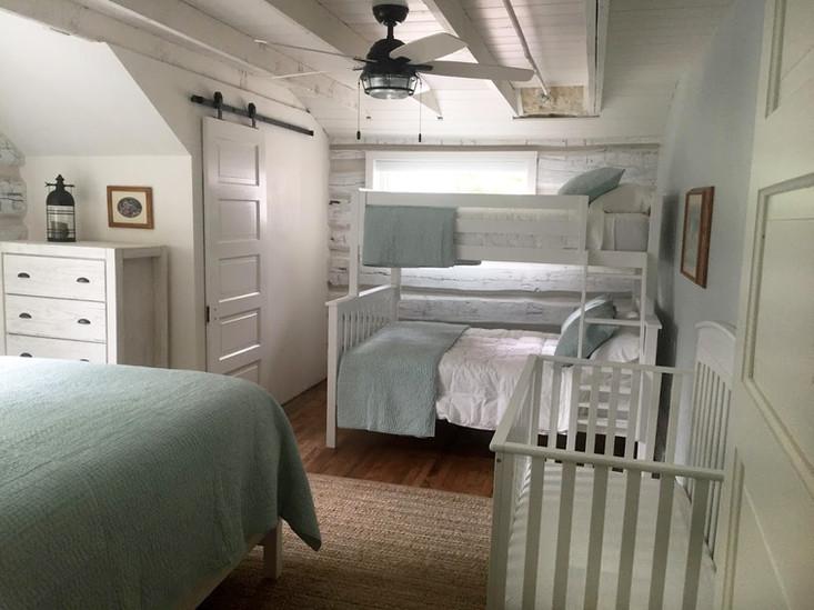 multi bed bedroom.jpeg