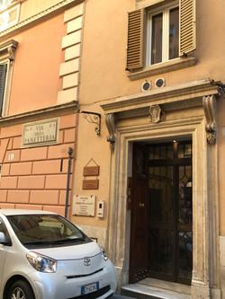 ローマ ホテルエントランス