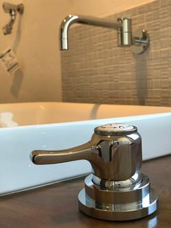 洗面水栓金具