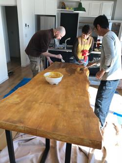 イチョウテーブル天板塗装