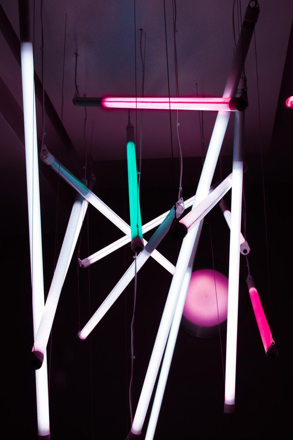 Neon - 2018