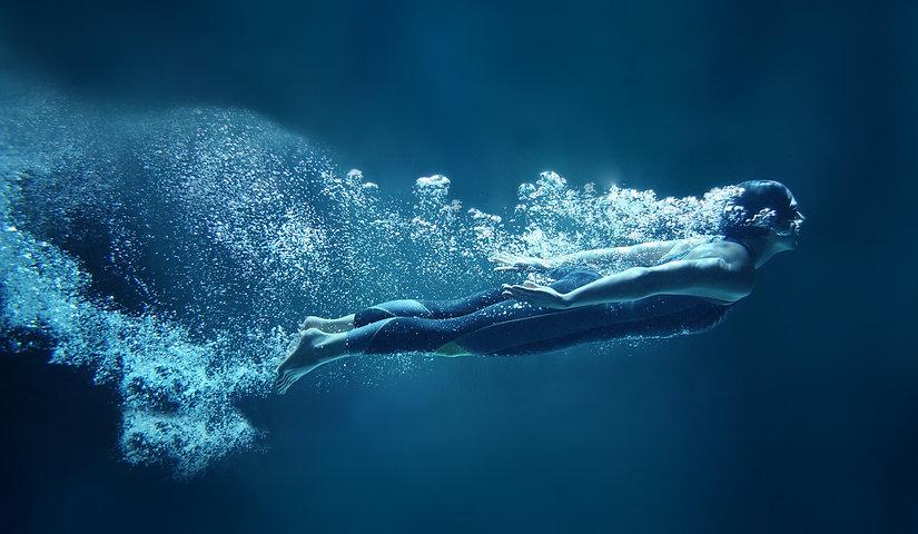 Underwater%2520Dive_edited_edited.jpg