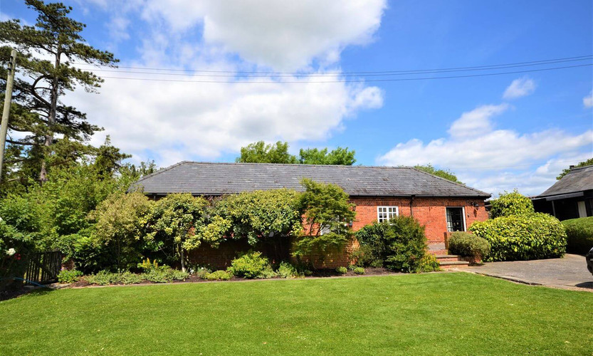 Woodmore holiday cottages 2.jpg