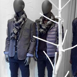 Bonami mannequins_Fashion King collection_ heren etalagepop met abstract hoofd in etalage