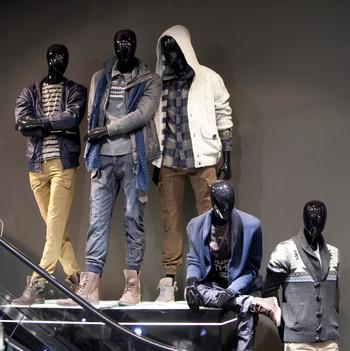 Bonami mannequins_Collection Shiki_male abstract mannequin_windowinspiration_mannequin_visualmerchandising