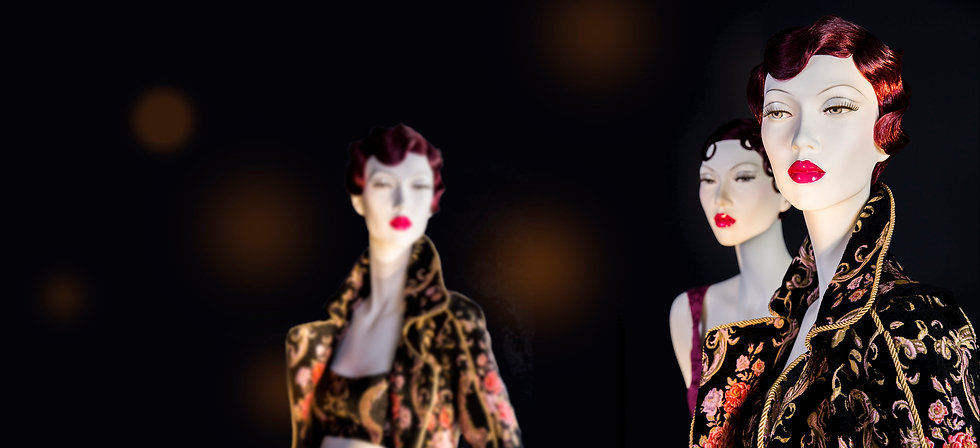 Realistic female mannequins with red lips