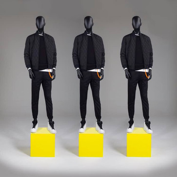 Bonami mannequins_Fashion King collection_ heren etalagepop met abstract hoofd in de kleur zwart