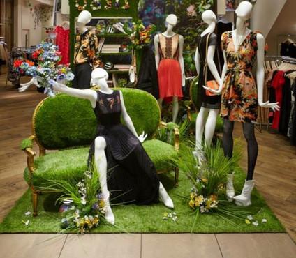 Bonami mannequins_ Fashion Queen shoes_ mannequin femme_departmentstore