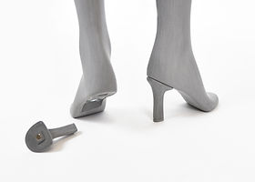 Sustainable mannequin with removable heels