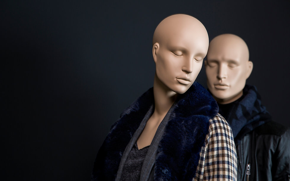 Female mannequin with detachable head