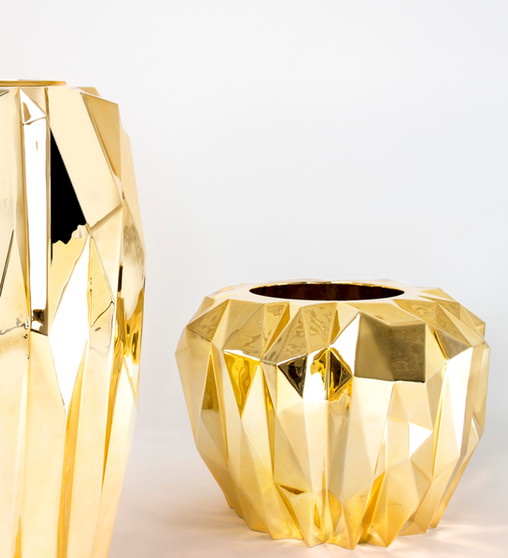 Vases in different finish