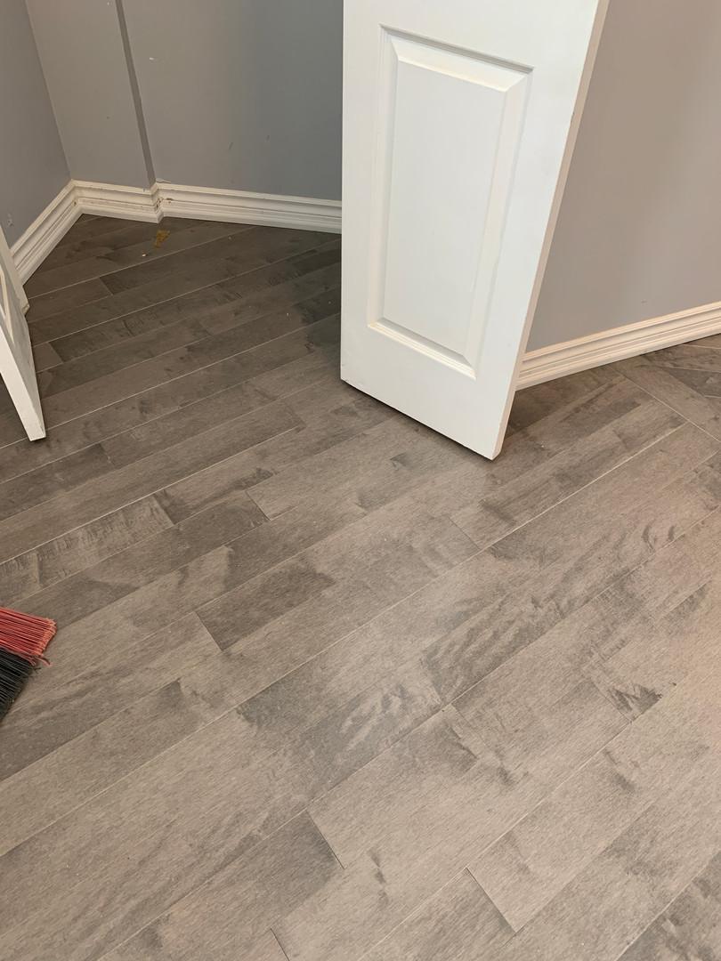 laminate flooring and trim