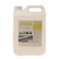 TEX'AKTIV GUARD protège les tissus des taches et de l'encrassement. Ce produit convient parfaitement aux toiles de transats, de coussins et de protection solaire. Il empêche l'eau et la graisse de pénétrer. Son effet déperlant incolore redonne de l'éclat à tous vos tissus d'extérieur !