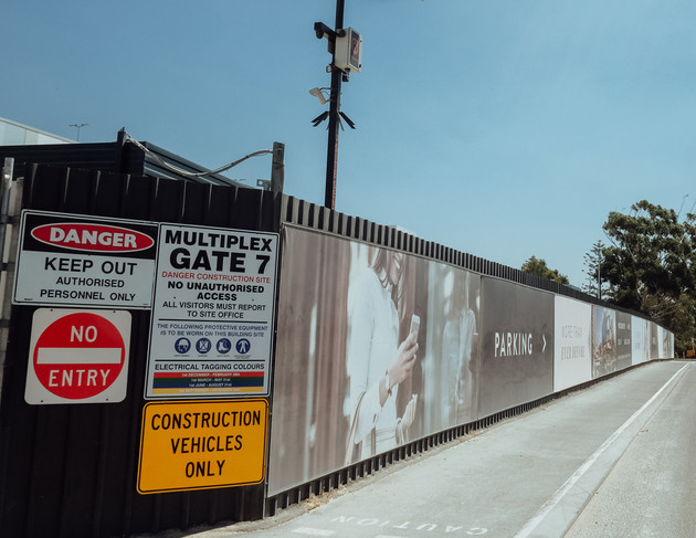 Perth Multiplex suit security fencing.jp