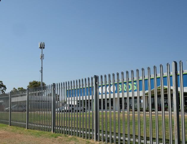 Palisade fencing Perth.jpg