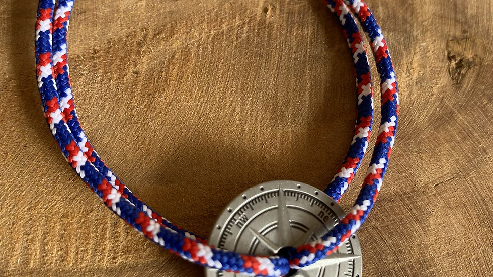 Bracelet cordon pièce argent vieilli