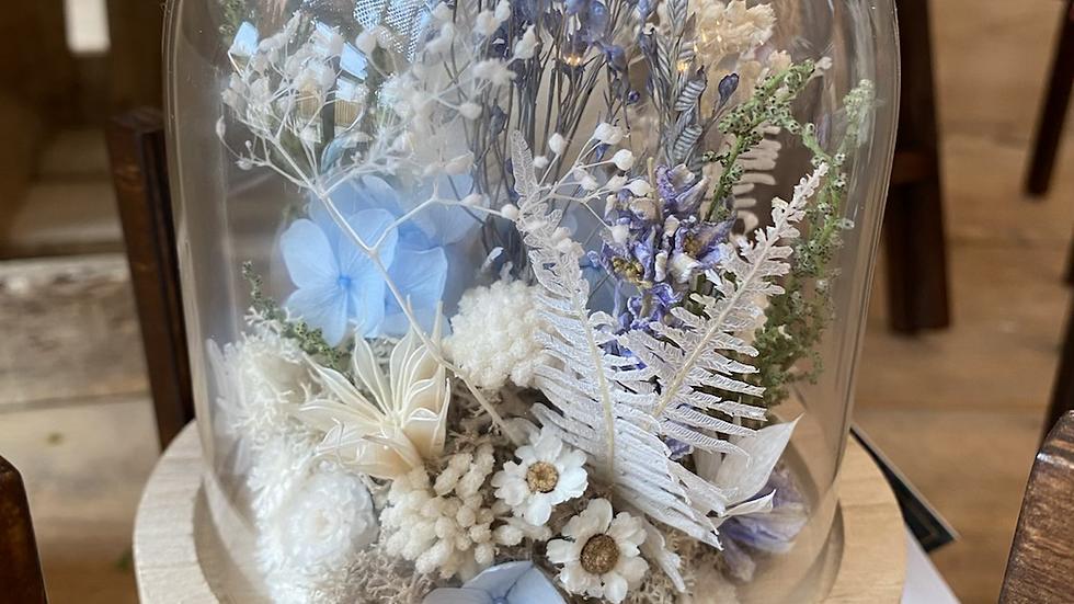 Composition fleurs séchées sous cloche