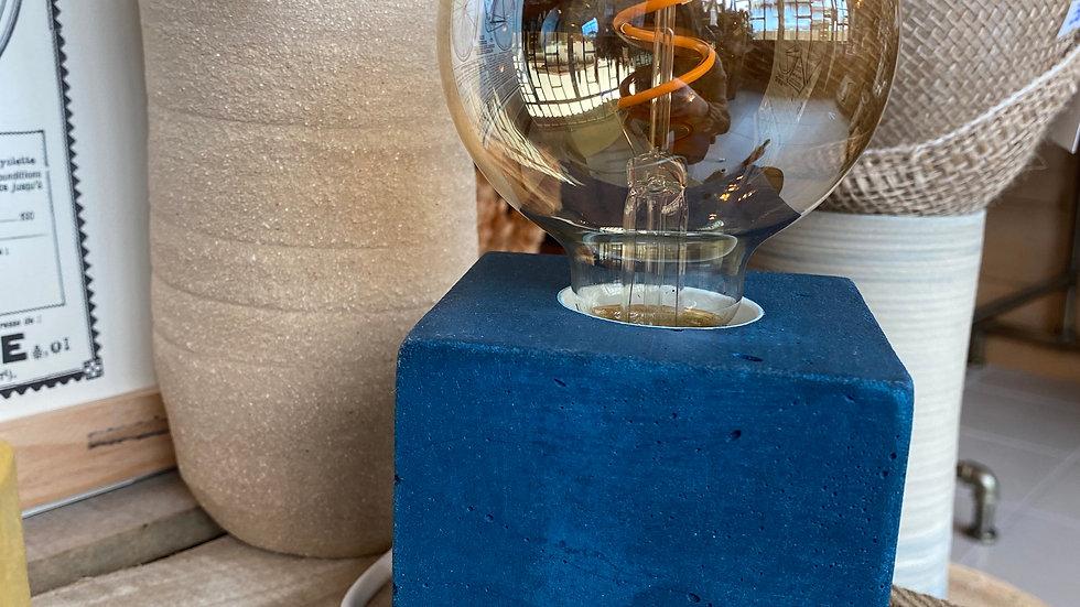 Lampe béton Bleue