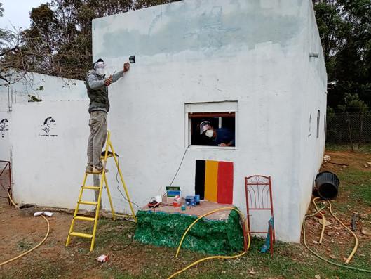 Travaux de peinture à la ferme