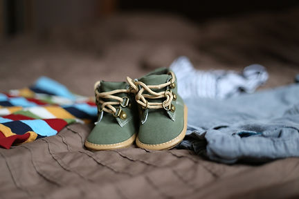 baby-clothes-baby-shoes-booties-47220.jpg