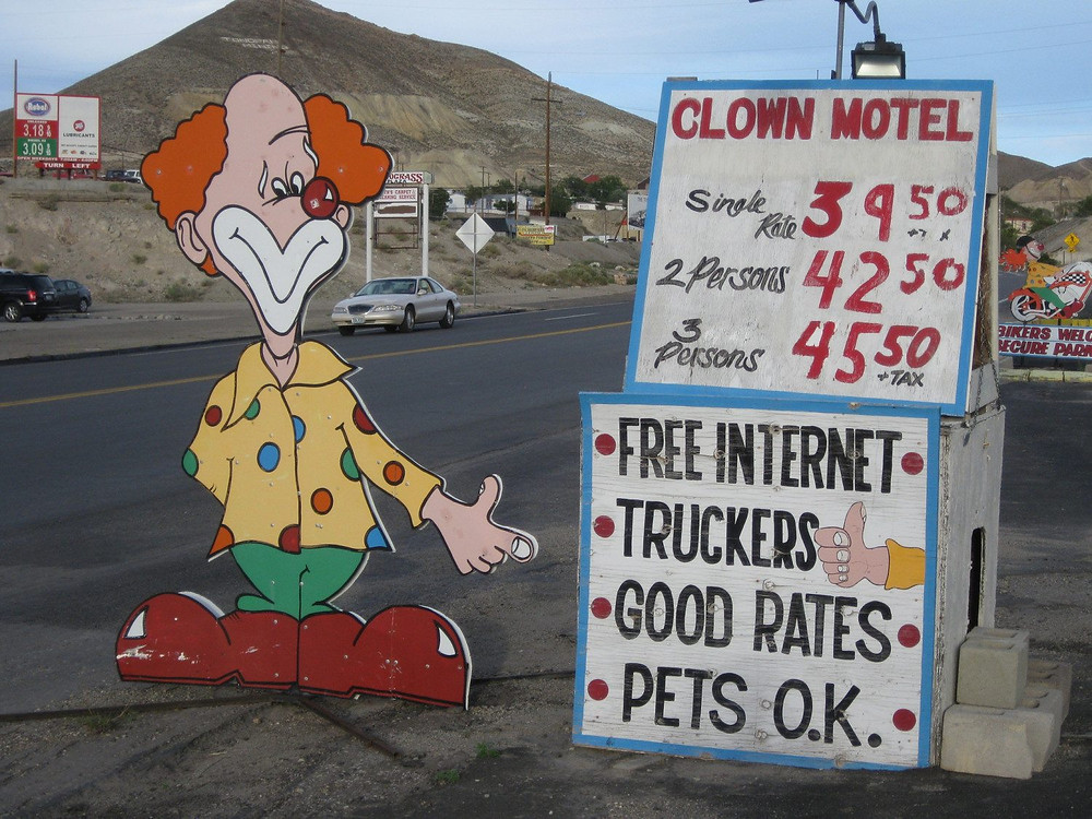 What the sign doesn't mention is that there are 1,000 CLOWNS also staying at the hotel