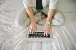 fashion-legs-notebook-working