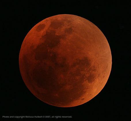 Total Lunar Eclipse 28 Aug 2007-w.jpg
