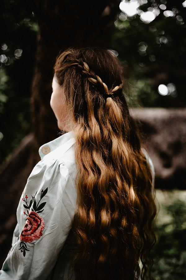 jak się ubrać na sesję zdjęciową w lesie