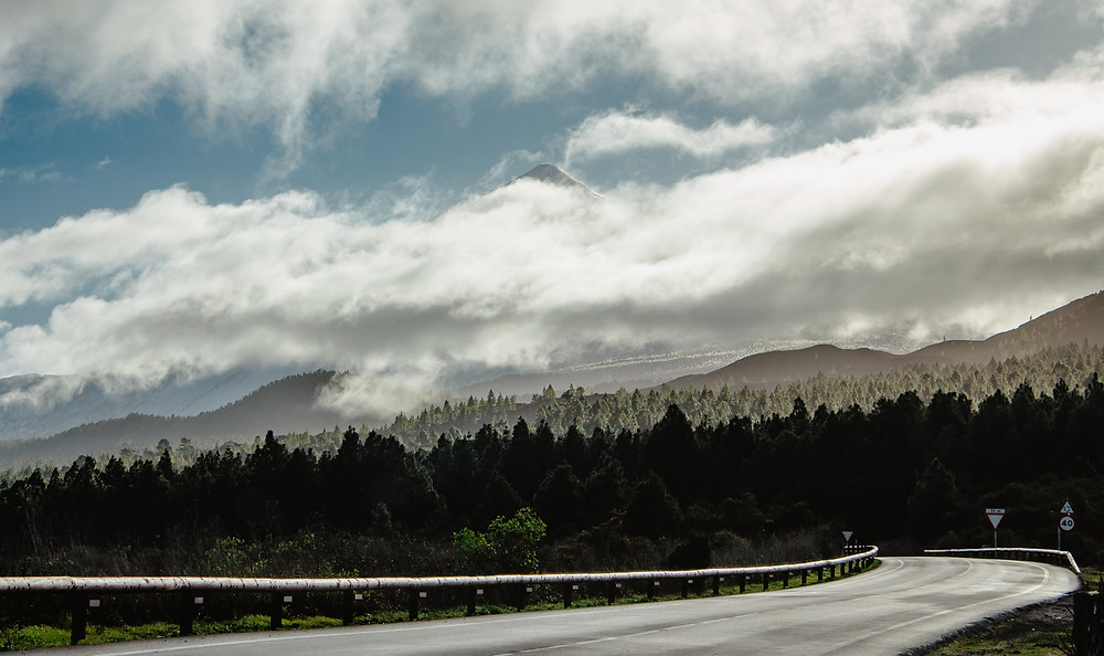 wulkan w śniegu Teneryfa