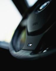 BMW M ebleem roolil