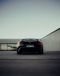 Aston Martin Vanquish Volan