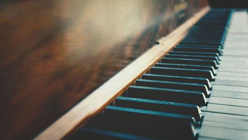 Grand-Piano-Keys-Close-Up.jpg
