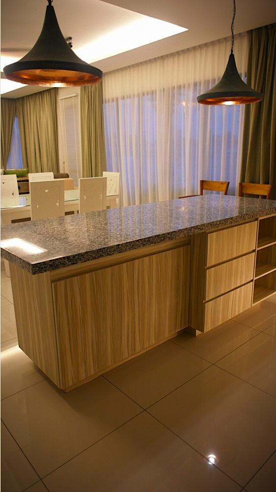 villa setia kitchen island