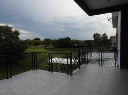 Upstairs terrace and balcony