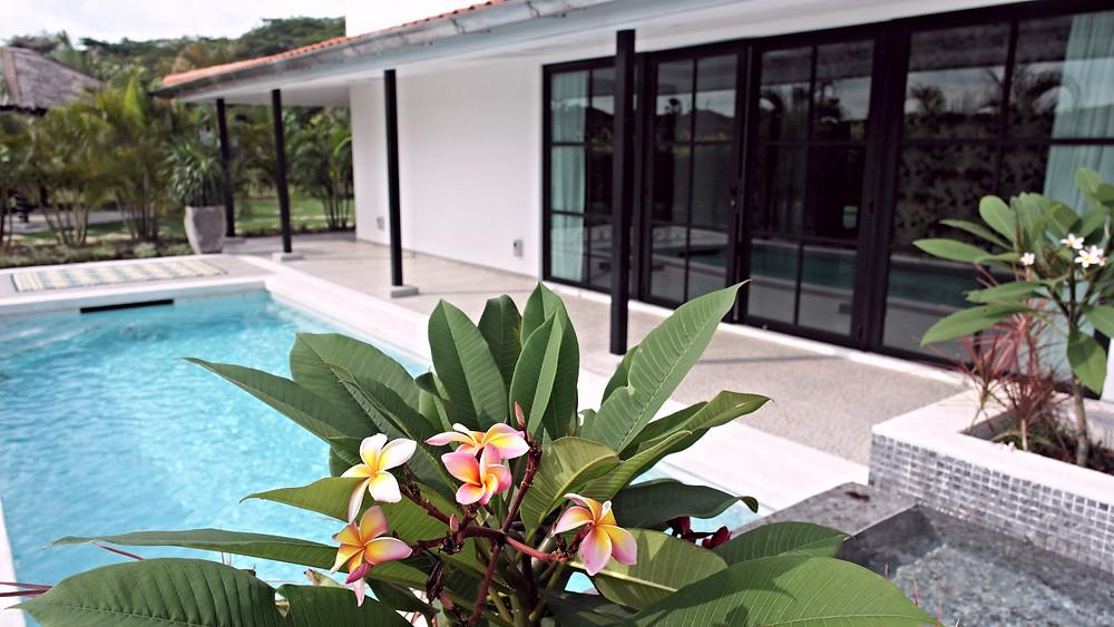 Villa Desa Nusajaya