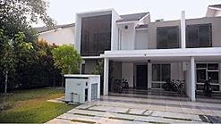 Villa Pahlawan in Nusajaya