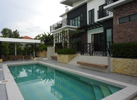 FOR RENT after an extensive renovation  ->  Villa Helang, Ledang Heights